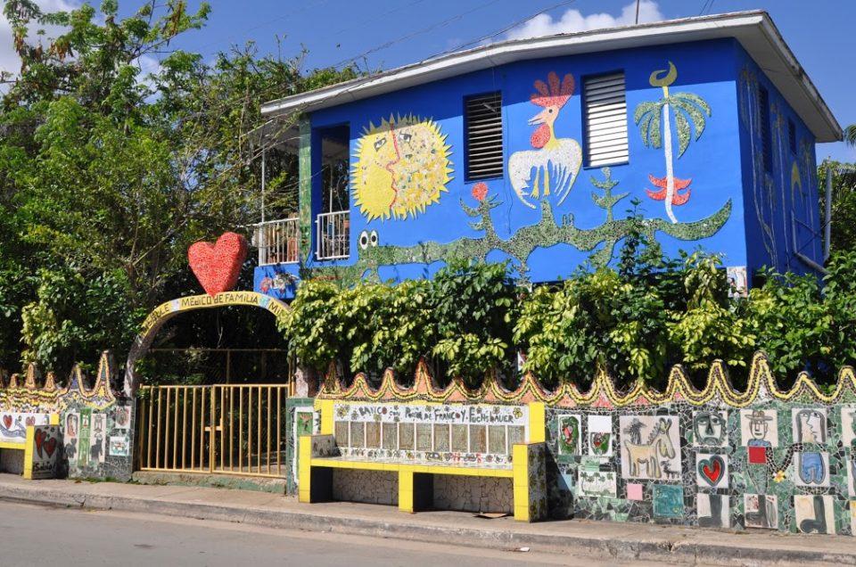 Il quartiere di Fusterlandia ad Avana